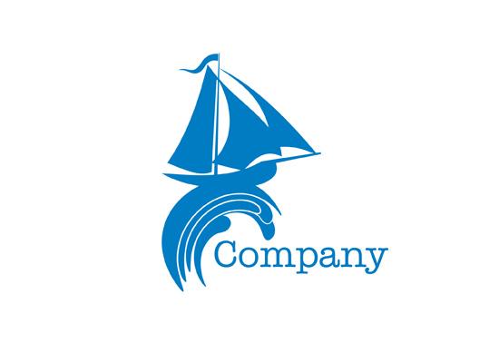 Segelschiff reitet auf einer Weller